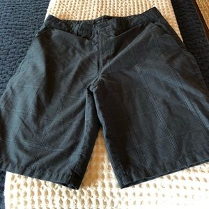 NWOT O'Neill gray and black checked shorts